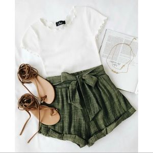 🆕 Rachael White Knit Lettuce Hem Tee